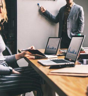 Lavorare nella comunicazione tecnica: competenze trasversali per una professione in ascesa